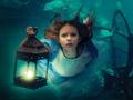 解析:《爱丽丝梦游仙境》